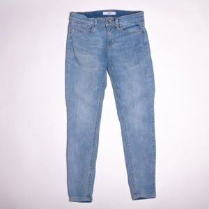 Light wash ankle skinny jeans from Dynamite